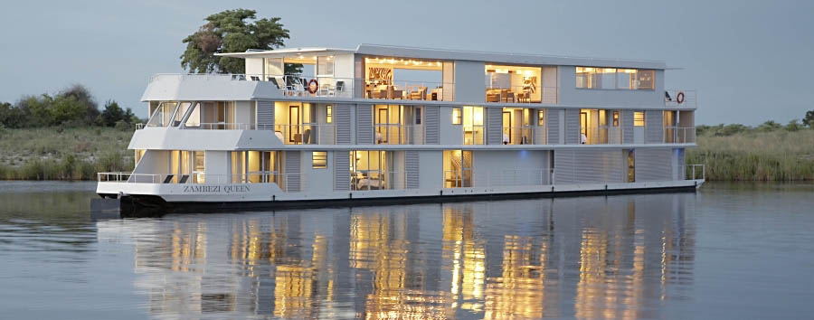 Zambezi Queen - Exterior view