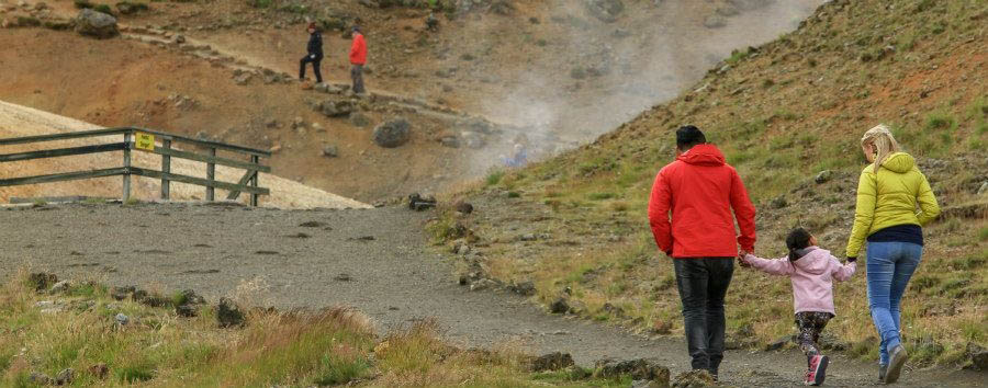 Geyser, ghiacciai e cascate - Iceland Family Walking in Krysuvik Geothermal Area - Courtesy of Iceland Travel
