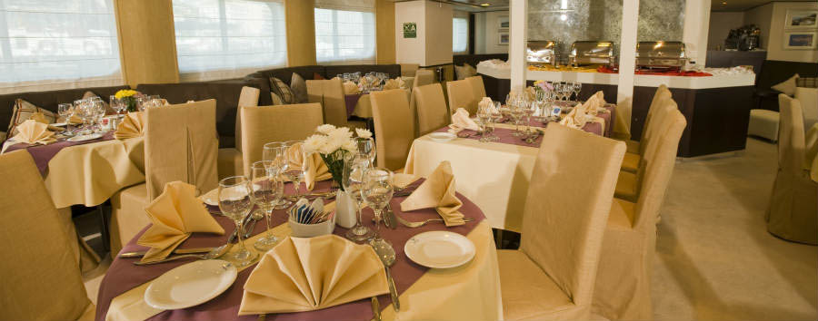 Crociera Boutique in Grecia - Greece M/Y Hatmony V dining room