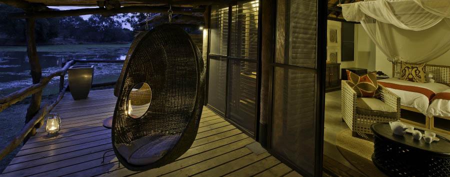 Mfuwe Lodge - Chalet veranda
