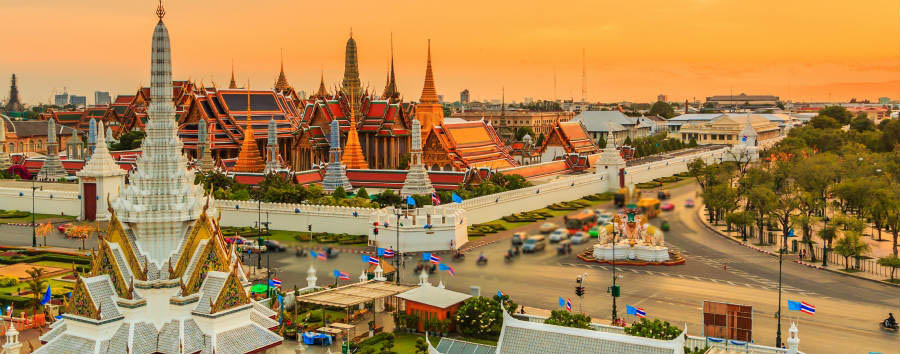 Bangkok City Break - Bangkok Landmark of Bangkok city Temple of the Emerald Buddha © apiguide/shutterstock