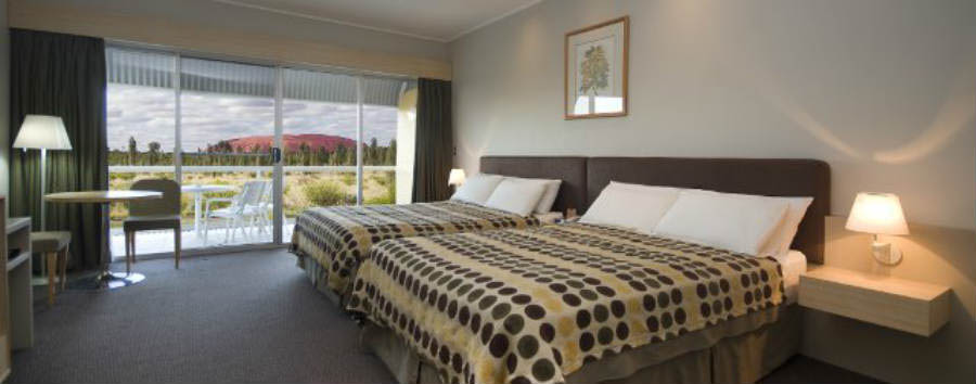Desert+Gardens+Hotel+-+Deluxe+Rock+View+Room+%C2%A9+Voyages+Indigenous+Tourism+Australia