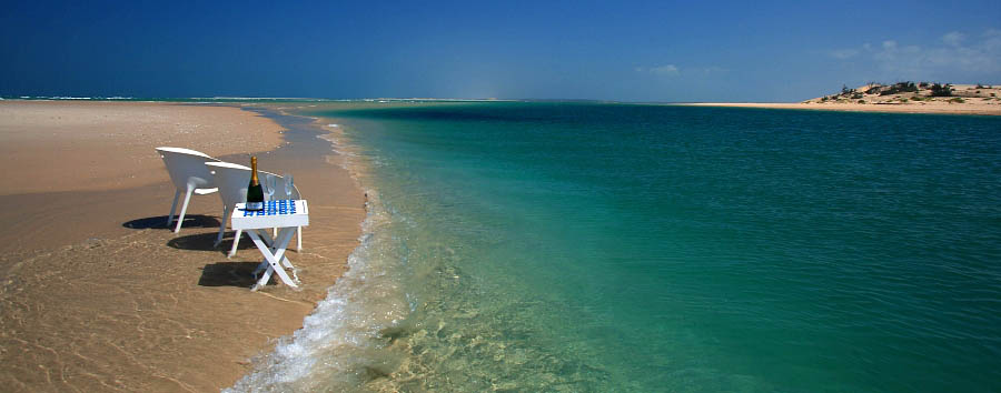 Mozambique - Turquoise Water in Benguerra Island