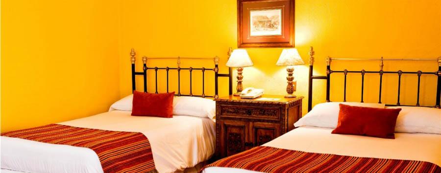 Hotel Santa Cruz Plaza - Twin room interior