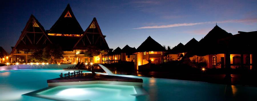 Essque Zalu Zanzibar - Pool at night