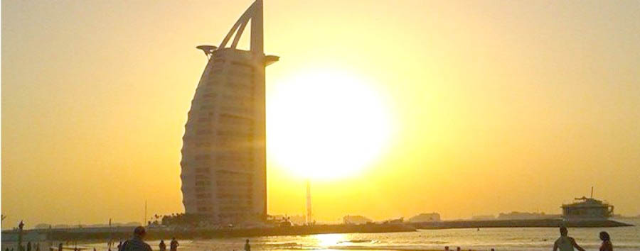 La Dubai Nascosta - Dubai Burj-al-arab at sunset