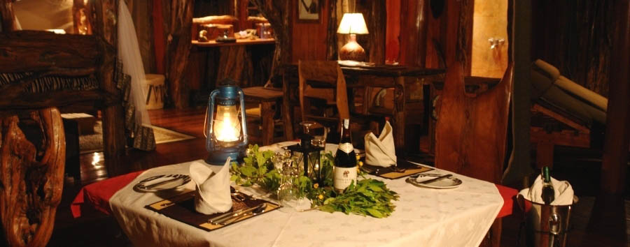 Royal Mara Safari Lodge - Private candlelight dinner in your own tent