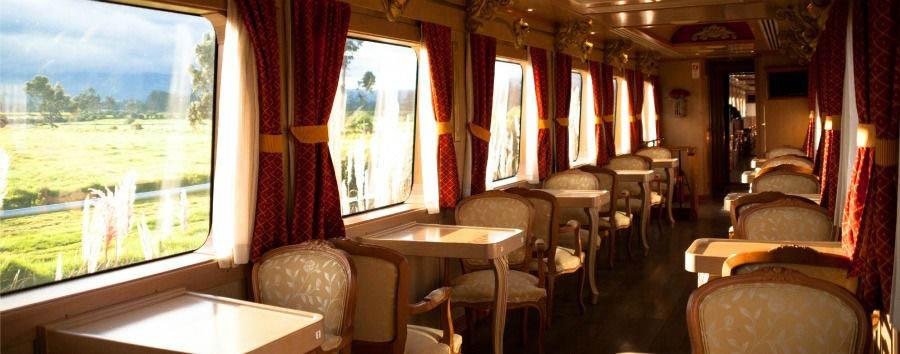 In treno sulle Ande - Ecuador Barroco Style Coach Interior © Tren Ecuador