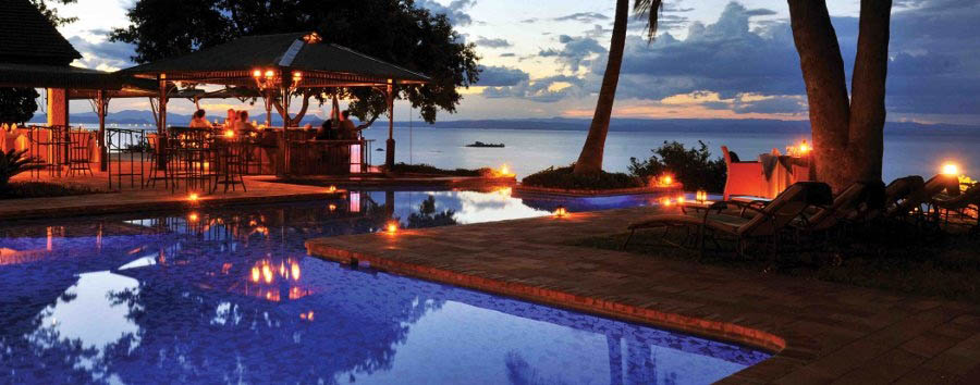 Bumi Hills Safari Lodge - Pool by night