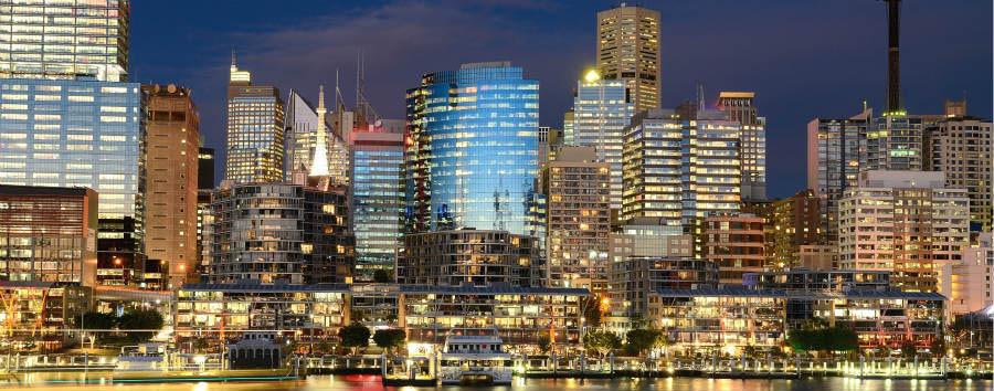 Fantastica Australia - Australia Sydney Darling Harbour Nightscape © Jordan Lye/Shutterstock.com