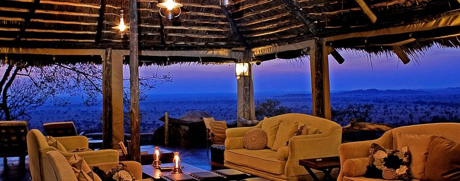 Serengeti Pioneer Camp - Lounge at dusk