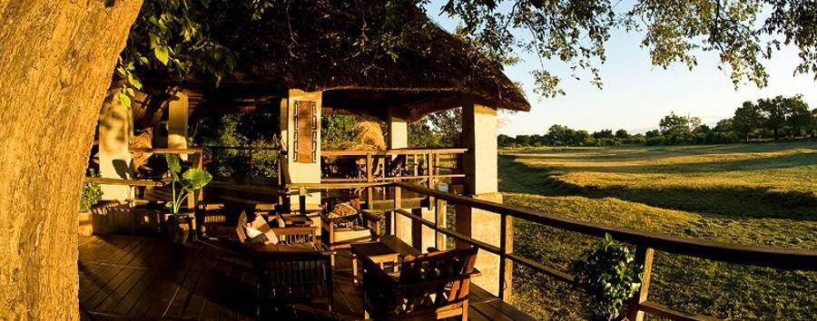 Kapani Lodge - Deck