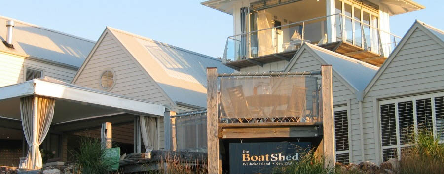 The+Boatshed+Boutique+Hotel+-+Exterior+at+Daylight