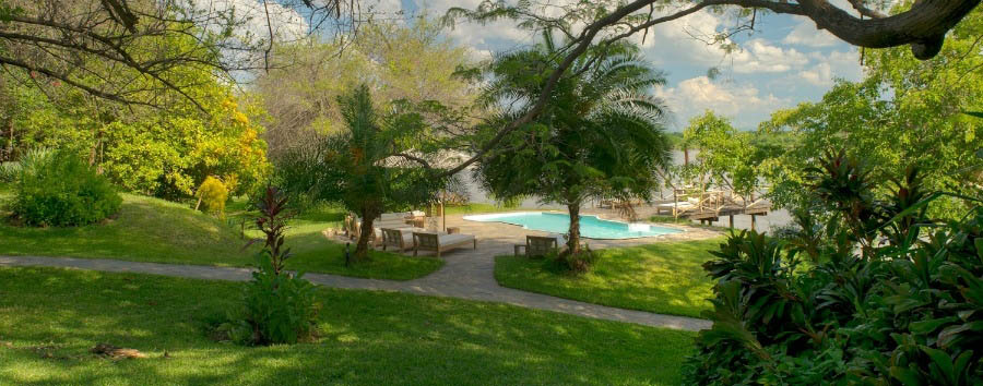 Kanyemba Lodge - Gardens and Pool Area