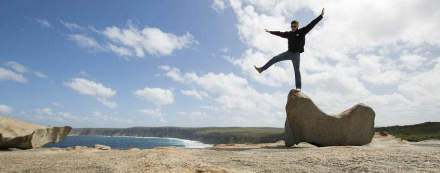 Mosaico australiano: Adelaide - Australia South Australia, Kangaroo Island, Remarkable Rocks © Greg Snell/Tourism Australia