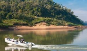 Puerto Bemberg: aria, luce e giungla
