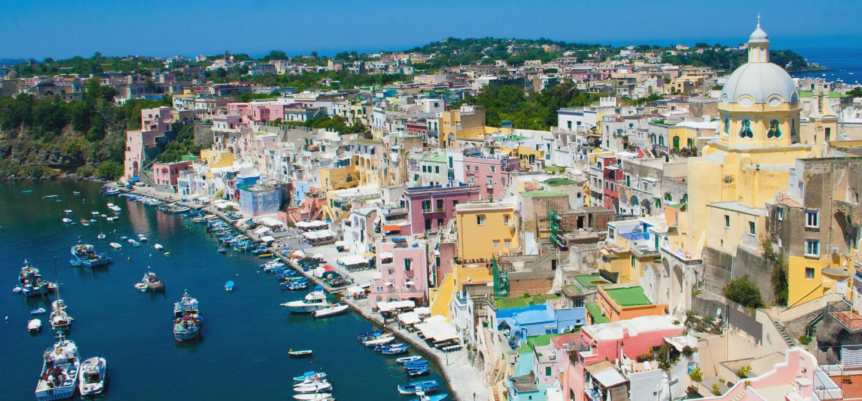 Procida: mare e relax nella Capitale della Cultura 2022